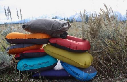 how to pick best camping pillow for side sleeper guide