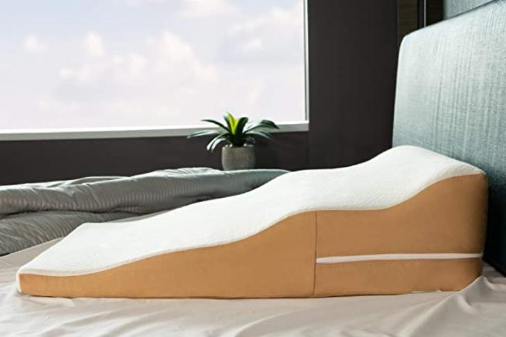 contour wedge pillow for side sleepers