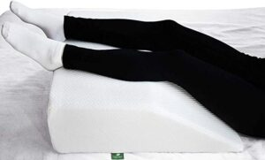 breathable wedge pillow for leg elevation